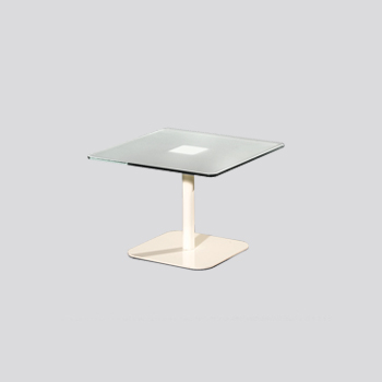 TABLE WITH A SINGLE LEG 40